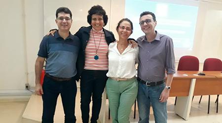 Ed, Simone e os membros da banca de mestrado de Ed: Profa Ana Cristina (UNIRIO) e Prof. Ney Wagner (UFRJ)