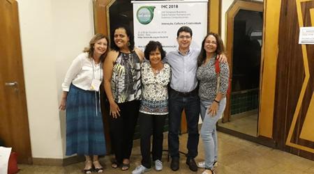 Representantes do NAU no IHC 2018. Cláudia Silva, Carolina, Edenildo, Simone e Profa Ana Cristina
