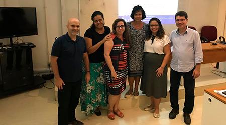 Colegas do NAU na defesa de Priscyla: Diogo, Carol, Patrícia, Simone, Priscyla e Edenildo